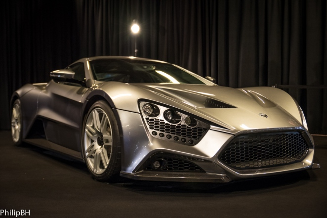 Biler-I-Bella-Zenvo-Golf-6